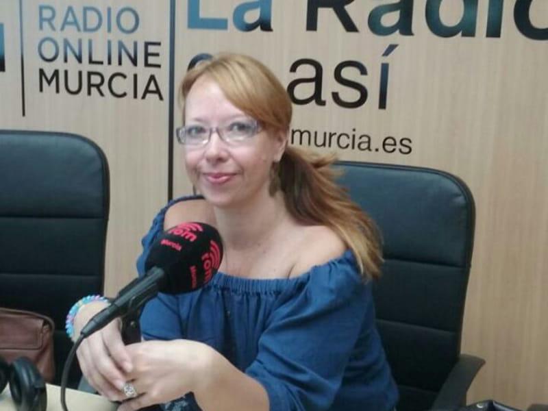 Pepa Fernández Psicóloga en la radio